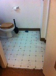Bathroomflr