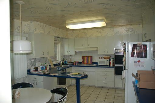 3056 entire kitchen of yo