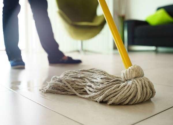 إبعاد الجراثيم عن أدوات التنظيف
