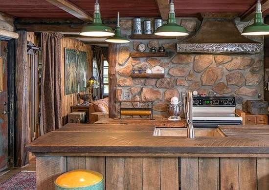 Деревенская деревянная кухня