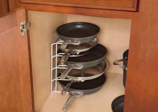 Kitchen Cabinet Organizers 11 Free, Lower Kitchen Cabinet Storage Ideas