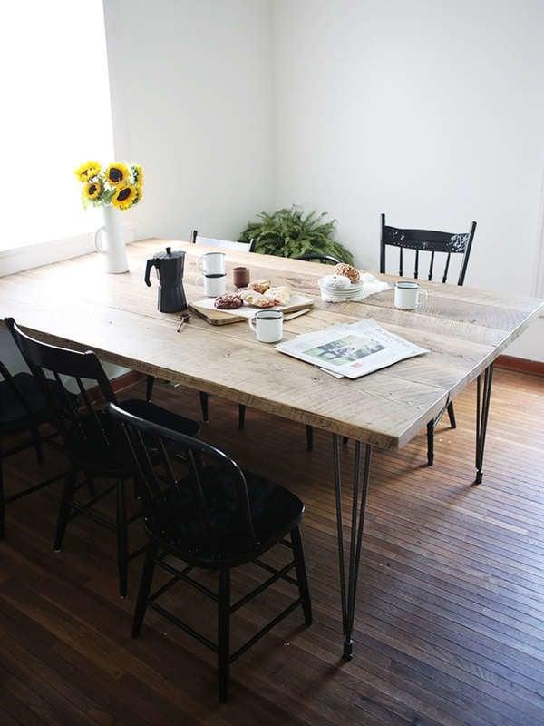 Обеденный стол своими руками с ножкой для шпильки