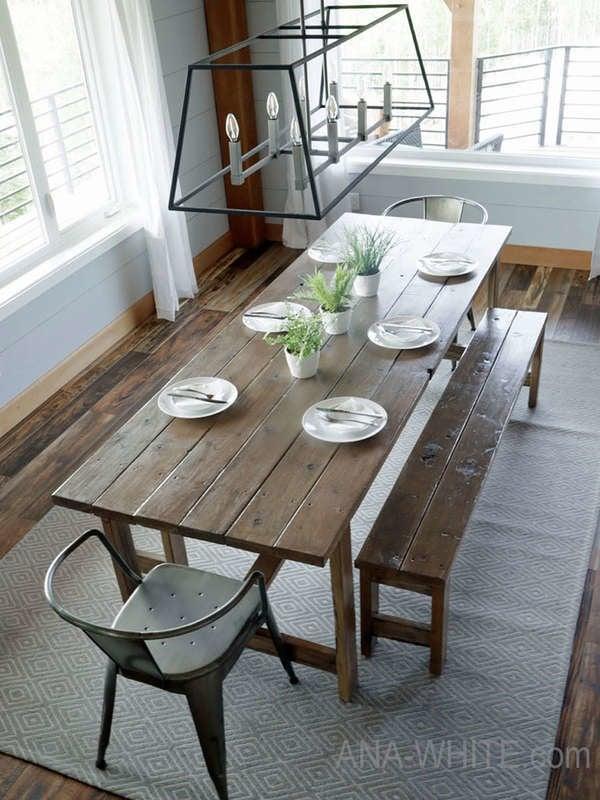 Обеденный стол и скамейка для новичков в загородном доме своими руками