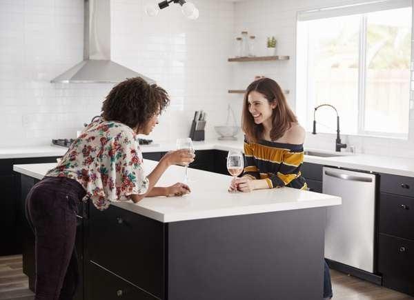 Создайте кухню, которая сделает развлечения проще и веселее.