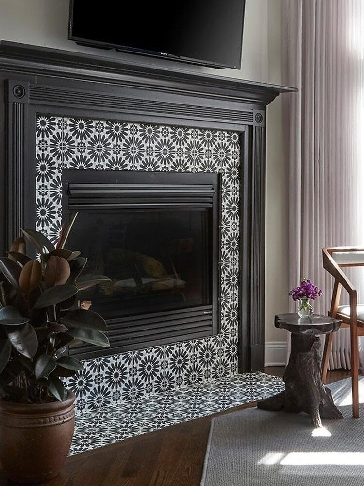 14 Fresh Designs For Tiled Fireplaces, Can You Tile A Fireplace Surround