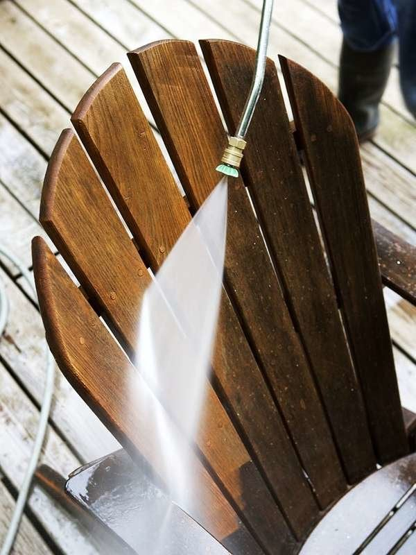 Pressure washing outdoor furniture