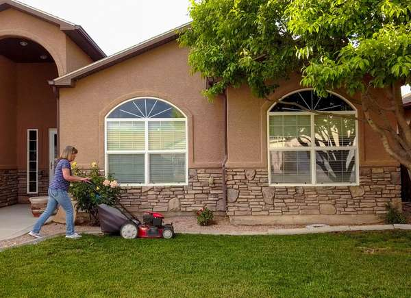maintain lawn curb appeal