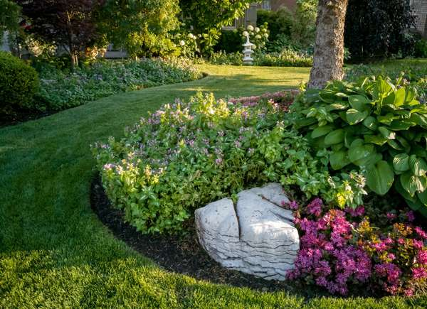 landscaping boosts curb appeal