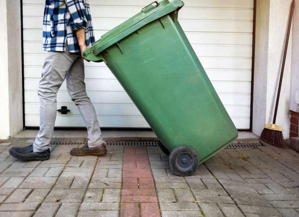 dispose cleaning products correctly