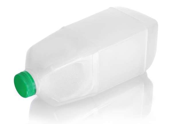 Jarras de leche de plástico