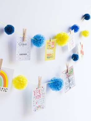 picture holder photo picture clips Garland with clothespins and pom pom