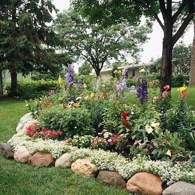 Diy Garden Edging Bob Vila, How To Lay Rock Garden Edging