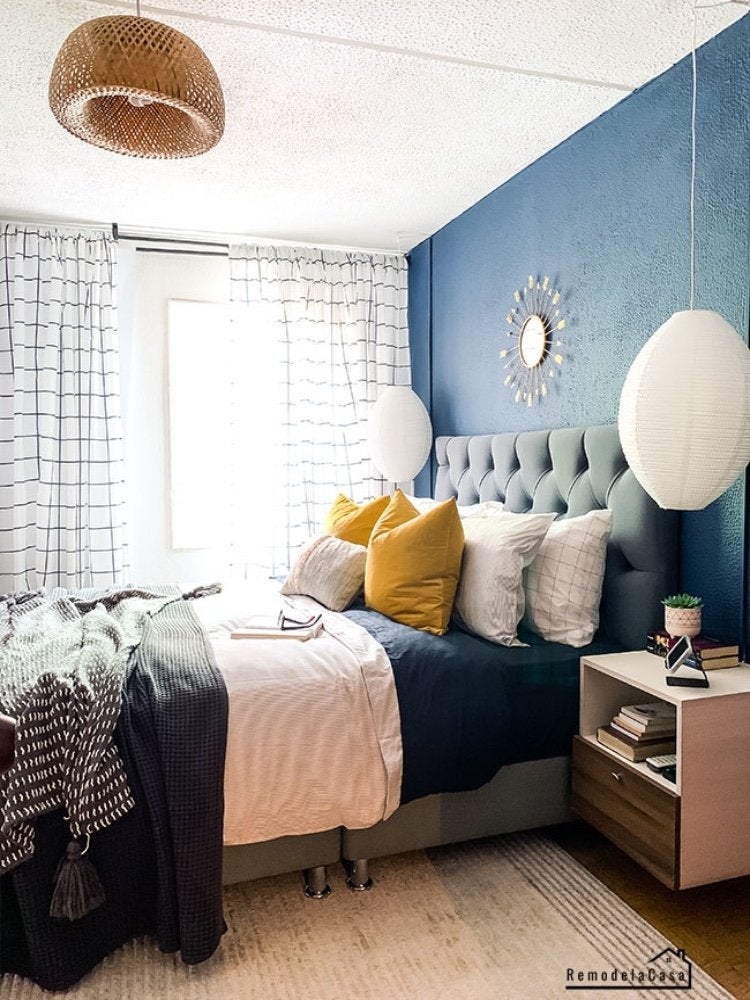 Small Bedroom Design Ideas With Lots Of, Queen Size Bed Ideas For Small Rooms